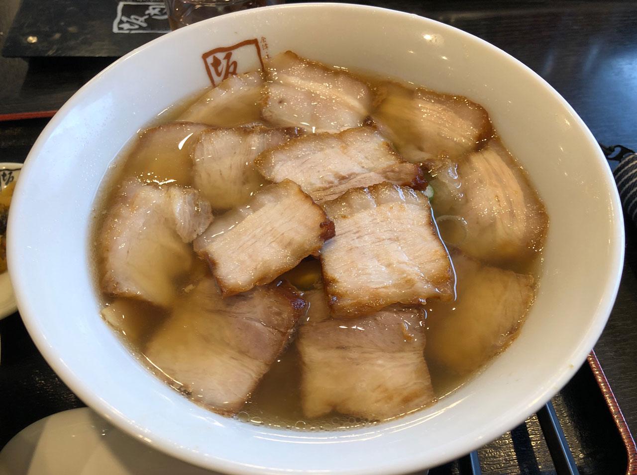 人気のチャーシュー麺
